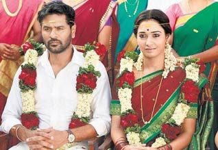 Tamil New Film Devi (L)