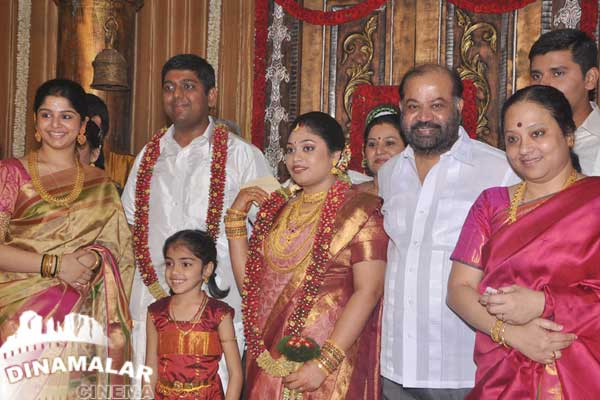 Cine Vila 4 frames Kalyanam son Satheesh-Anjali Marriage Photos