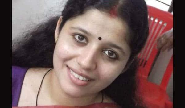 Lakshmi-Vishwanath-backs-to-tamil