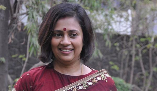 lakshmiramakrishnan-left-the-media-field-to-avoid-the-issues