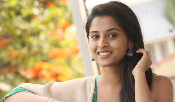 Acting-as-Sister-role-is-wrong-:-Arthana
