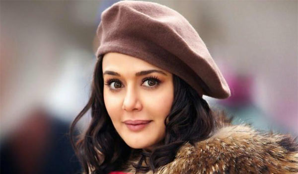 Preity-Zinda-met-Salmankhan-in-Jail
