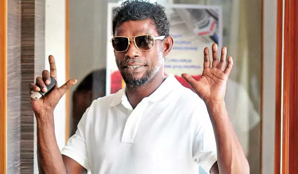 Malayalam-actor-vinayakan-to-play-a-villain-for-Vikram-in-dhruva-natchathiram