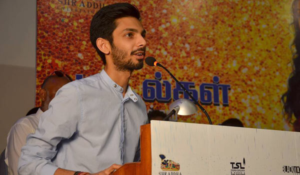 Why-anirudh-did-not-mention-Vijay-name?