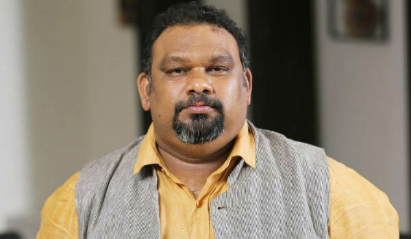 Kathi-Mahesh-not-allowed-in-Hyderabad-for-insulting-Hindu-god