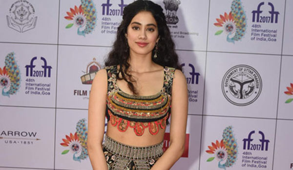 I-am-travelling-in-my-way-says-Jhanvikapoor