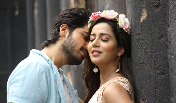 What-is-story-of-Pyaar-prema-kaadhal-says-Harish-Kalyan