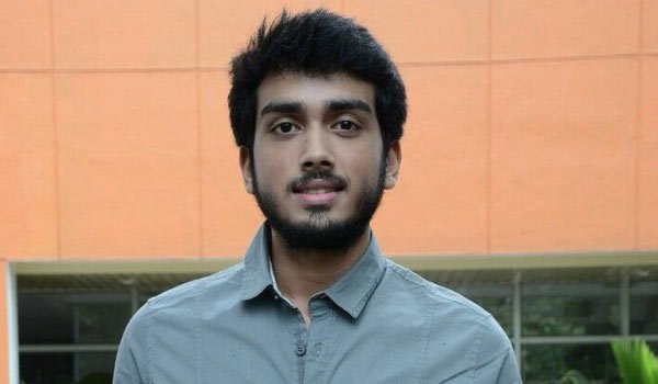 Kalidas-Jayaram-out-from-Virus