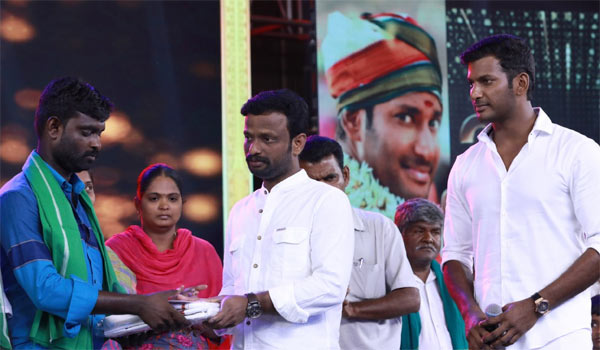 Vishal-donates-Rs.11-Lakhs-to-Farmers