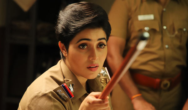 Poorna-acting-as-police-in-Tamil-and-Malayalam