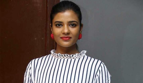 I-will-not-lock-in-Particular-image-says-Aishwaryarajesh