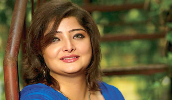 Actress-Vasundhara-Das-files-police-complaint-after-becoming-a-victim-of-road-rage