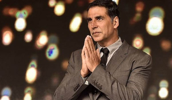 Akshay-Kumar-request-to-Bollywood-actors