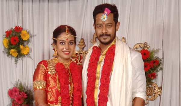 Actress-Chandini-married-choreographer-nandha