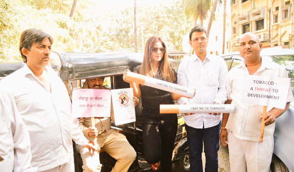 Neetu-Chandra-in-awareness-program