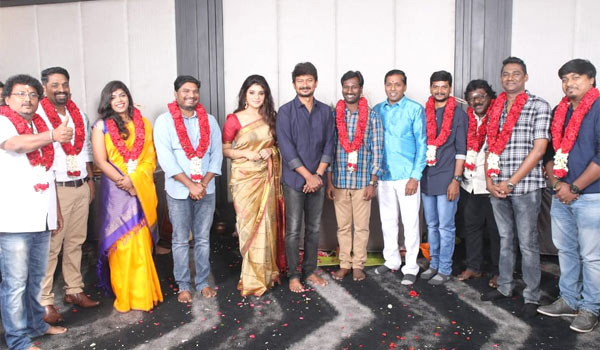 Aathmika-to-pair-with-Udhayanidhi-stalin