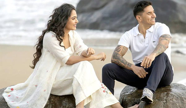 Anushka-replied-who-is-that-guy.?