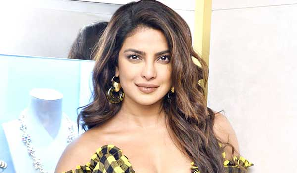 pakistan-opposing-priyanka-chopra