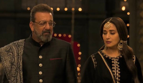 Madhuri-dixit---Sanjay-Dutt-joints-together-after-22-years