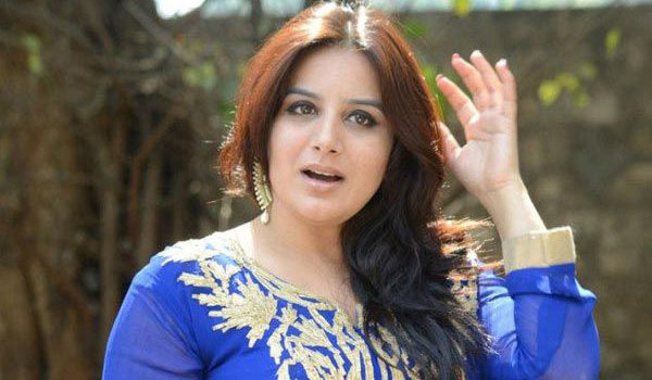 Dont-spread-rumours-says-Pooja-Gandhi