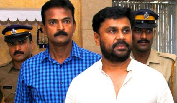Court-order-to-Dileep-appear-on-April-5