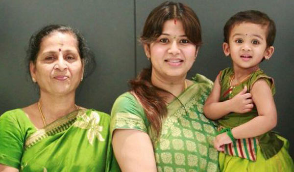 Wealth-issue-:-Sangeetha-and-her-Mother-clash
