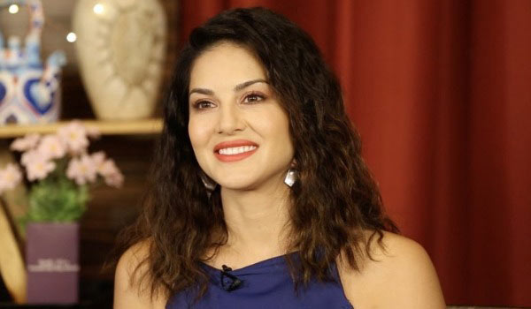 Sunny-Leone-about-fans