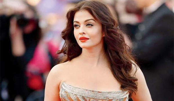 Aishwarya-rai-to-do-Powerfull-negative-role-in-Maniratnam-film