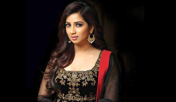 Shreya-ghoshal-blasts-airlines-for-not-allowing-music-instrument