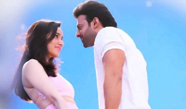 Saaho-:-Prabhas-and-Shraddha-Kapoor-to-fly-Austria