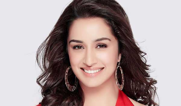 first-time-shraddha-kapoor-acting-in-police-role-in-saaho