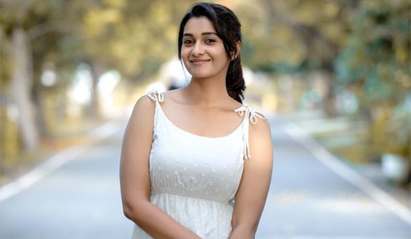 Priya-Bhavani-Shankar-to-joints-in-Indian-2