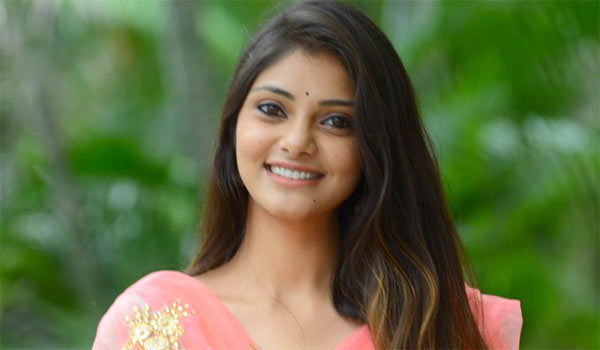 Telugu-actress-Rahasya-gorak-to-pair-with-Kathir