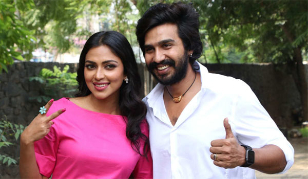 Amala-paul---Vishnu-Vishal-to-pair-again