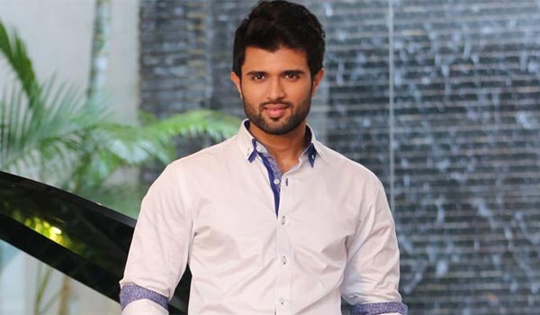 Vijay-devarakonda-to-debut-in-Bollywood