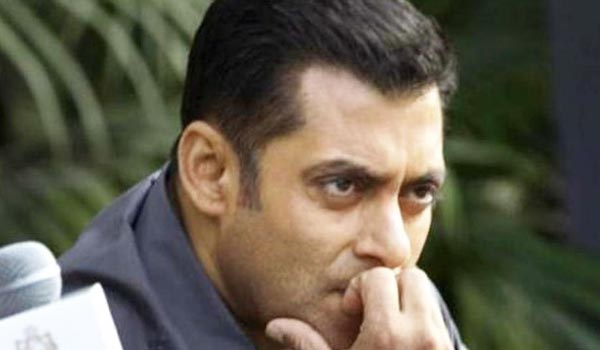 Court-order-to-file-case-against-Salmankhan