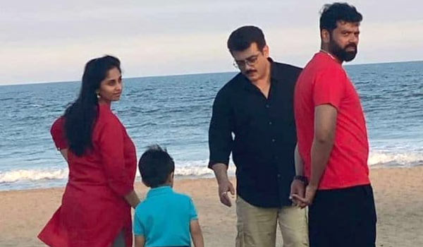 Ajith-spend-time-with-Family