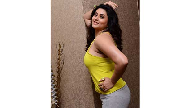 namitha-trolled-her-slim-photo-in-tollywood