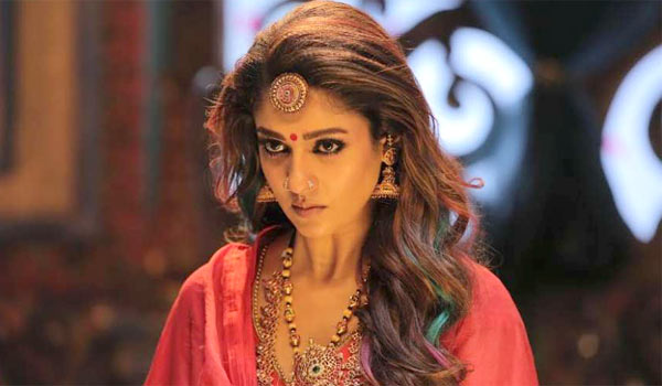 Nayanthara-fasting-for-Mookuthi-amman