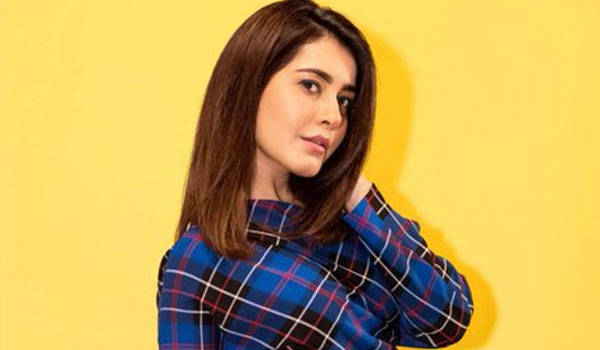Being-fit-keeps-me-ahead-of-competitors-says-RaashiKhanna
