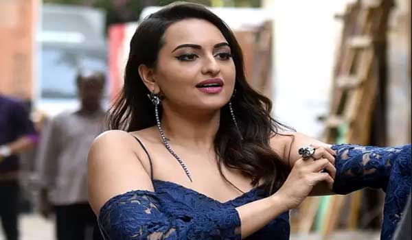 sonakshi-sinha-to-introduce-in-tollywood