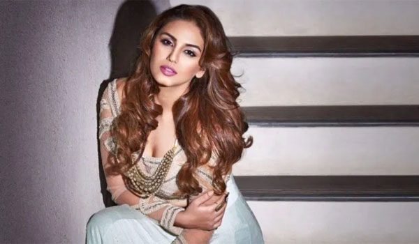 Huma-Qureshi-about-Glamour