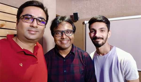 Anirudh-croons-in-Imman-music-for-Teddy