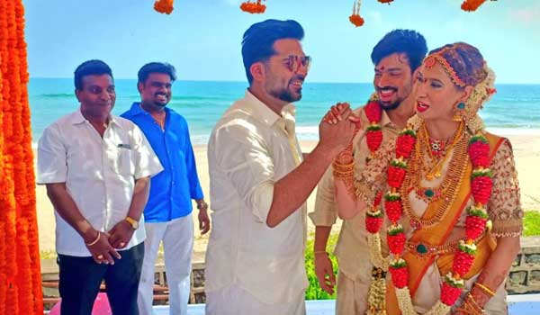 simbu-attends-mahat-wedding