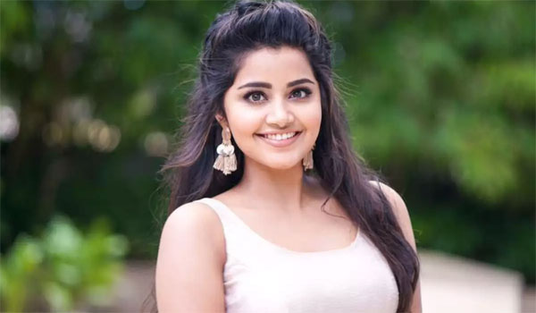 Anupama-first-time-to-act-as-Story-based-movie