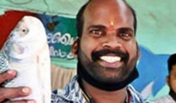 Malayalam-actor-turn-as-fish-Seller