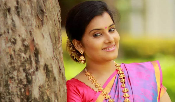 Actress-Shruti-Raj-shocks-about-Azhagu-serial-stopped