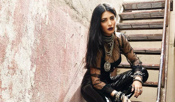 Shruti-haasan-ready-to-act-in-negative-role
