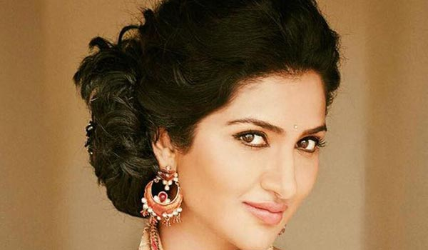 Actress-Rohini-Singh-injured-in-accident