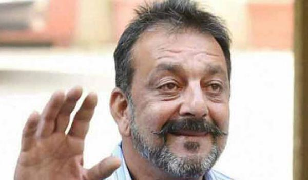 Sanjay-dutt-admitted-in-hospital